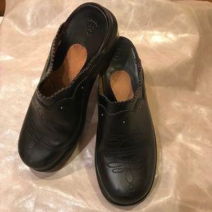Ariat Black Tooled Leather Mule Clog 7.5M